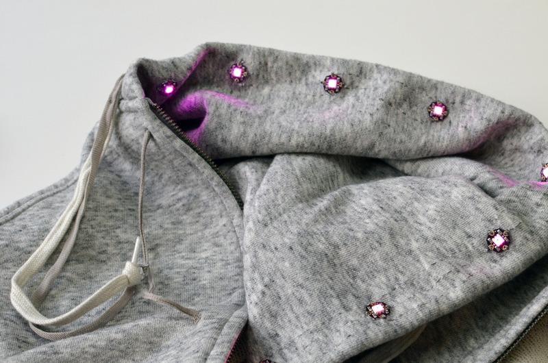 sensors_textile-potentiometer-hoodie-05