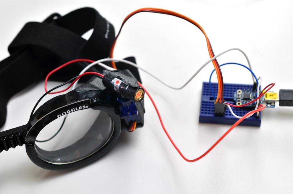 trinket_laser-dog-goggles-03