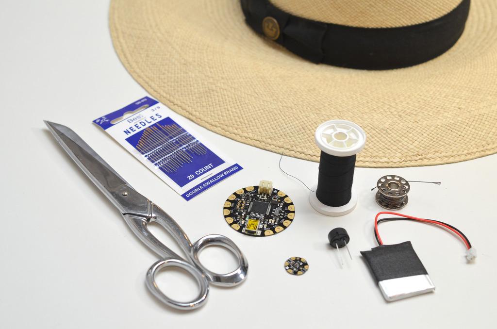 light_sunscreen-reminder-hat-00