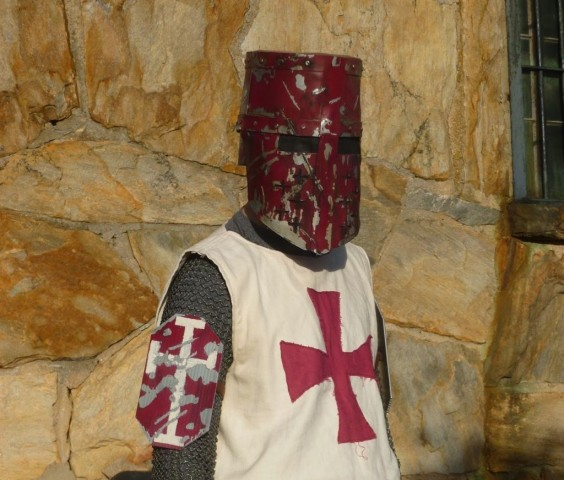 Assassins-Creed-Templar-Knight-Helmet-1-564x480