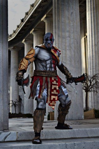 Kratos-cosplay-1-320x480
